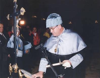 Enero de 1999. Toma de posesión como Doctor en Periodismo por la Universidad Complutense.